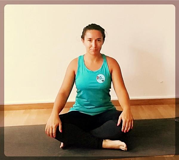 Cómo realizar una rutina de Hatha Yoga